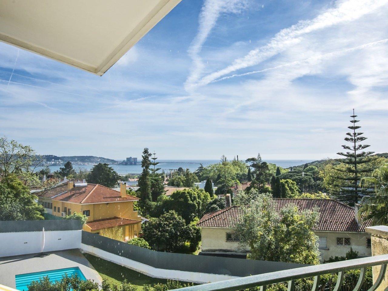 10 Bedroom Villa Lisbon, Lisbon Ref: AVM194