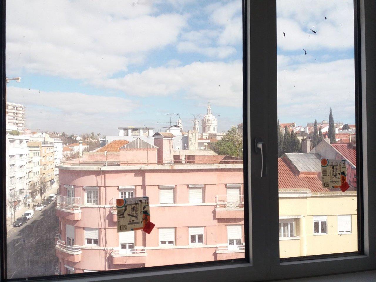 3 Bedroom Apartment Lisbon, Lisbon Ref: AAM197