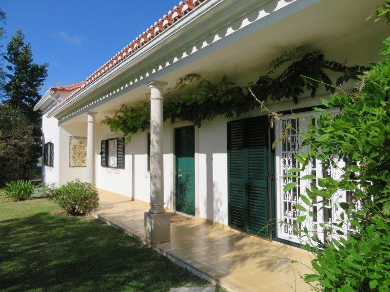 3 Bedroom Villa Bombarral, Silver Coast Ref: AV2011