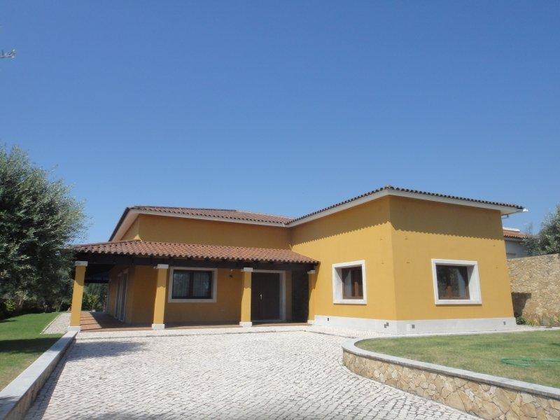 5 Bedroom Villa Caldas da Rainha, Silver Coast Ref: AV2012