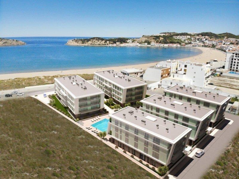 1 Bedroom Apartment Sao Martinho do Porto, Silver Coast Ref: AA355
