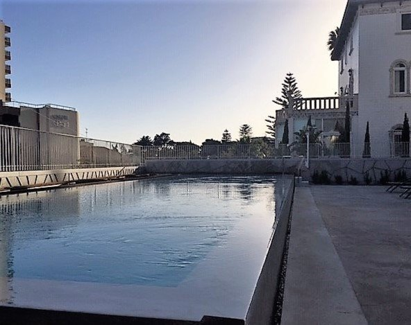 4 Bedroom Apartment Estoril, Lisbon Ref: AAM201