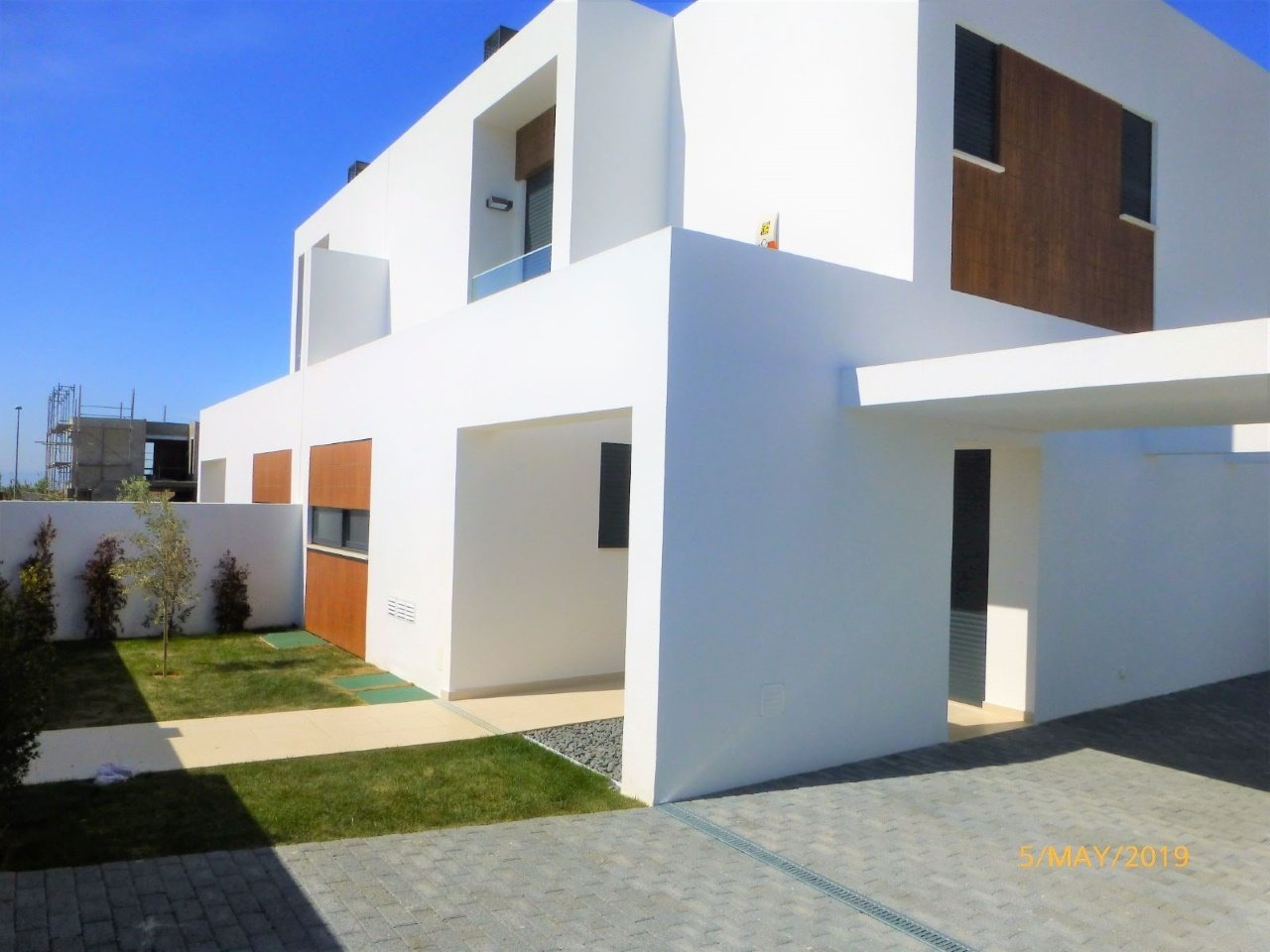 5 Bedroom Townhouse Cascais, Lisbon Ref: AVM203