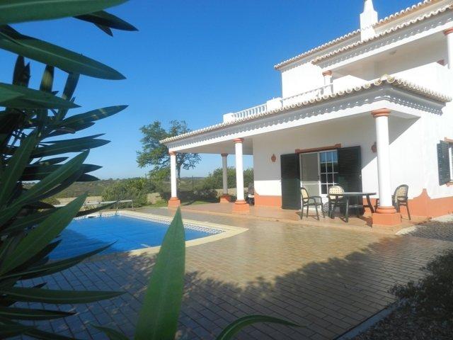 3 Bedroom Villa Lagos, Western Algarve Ref: GV584