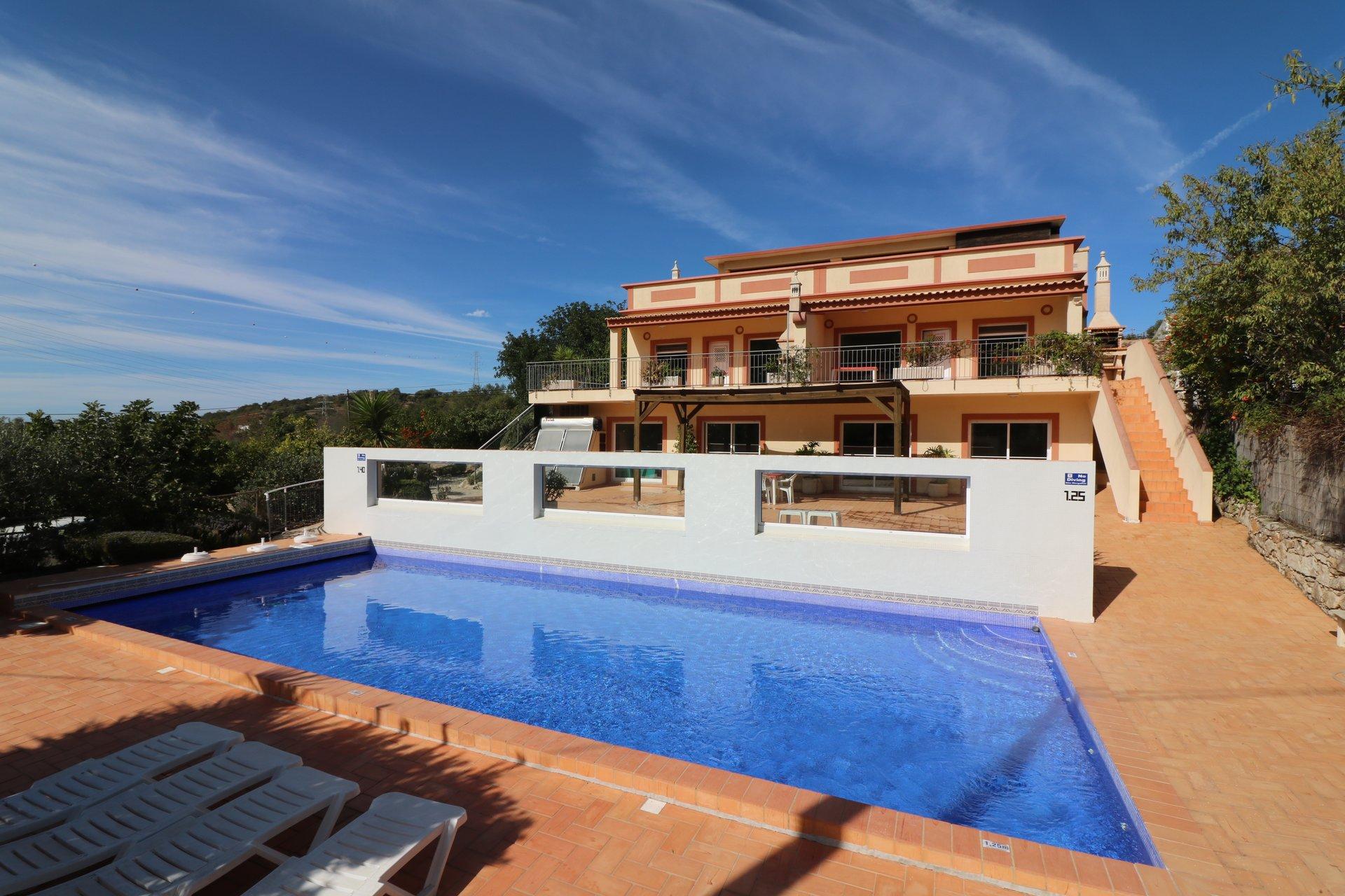 6 Bedroom Villa Estoi, Central Algarve Ref: JV10386