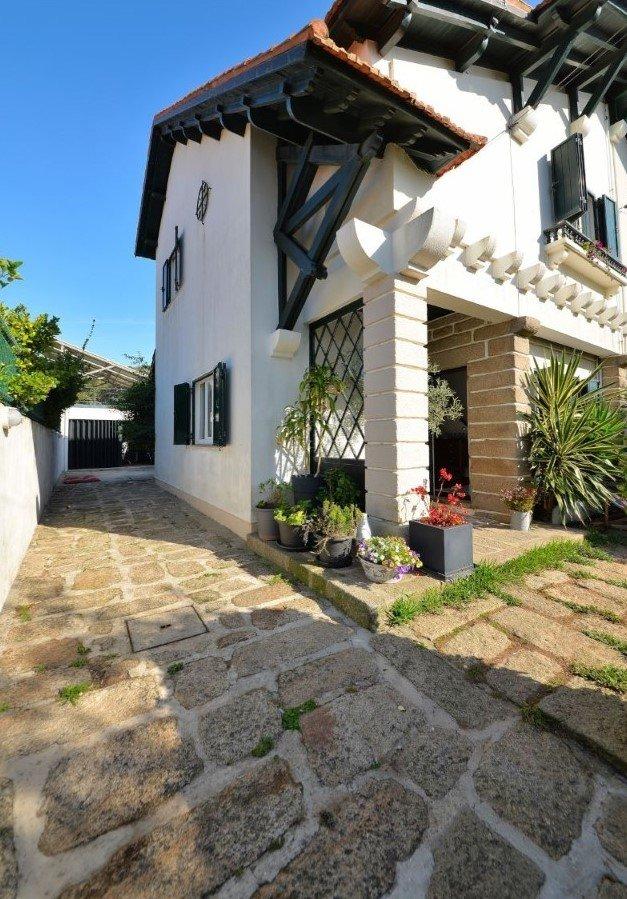 3 Bedroom Villa Vila Nova de Gaia, Porto Ref: AVP48