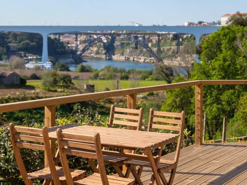 6 Bedroom Villa Vila Nova de Gaia, Porto Ref: AVP52
