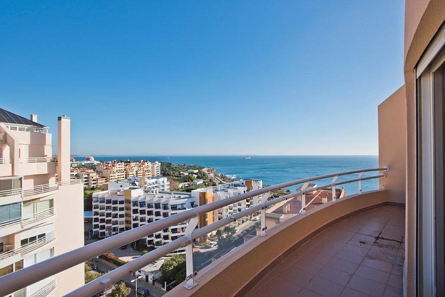 4 Bedroom Penthouse Cascais, Lisbon Ref: AAI340