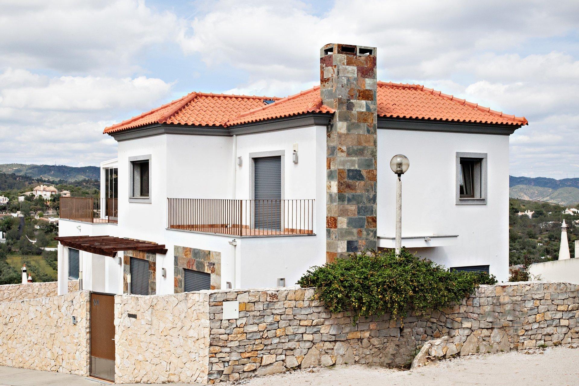 4 Bedroom Villa Sao Bras de Alportel, Central Algarve Ref: JV10376