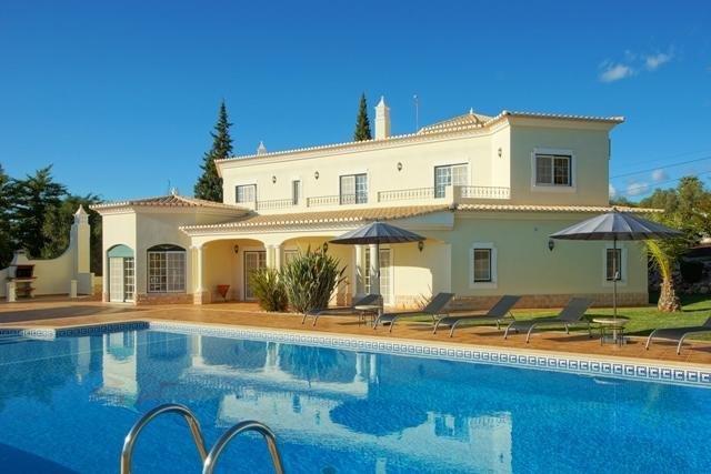 5 Bedroom Villa Alvor, Western Algarve Ref: GV585