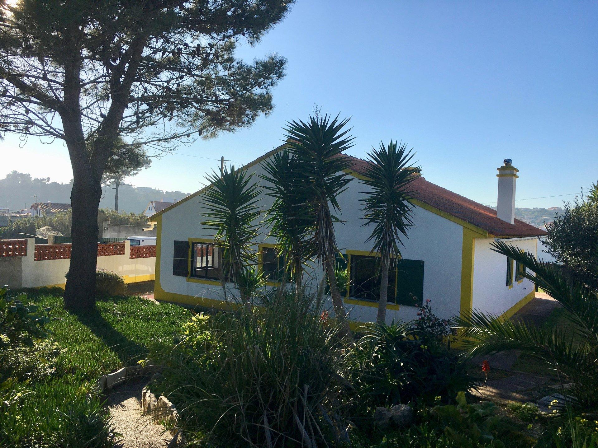 2 Bedroom Villa Foz do Arelho, Silver Coast Ref: AV2031