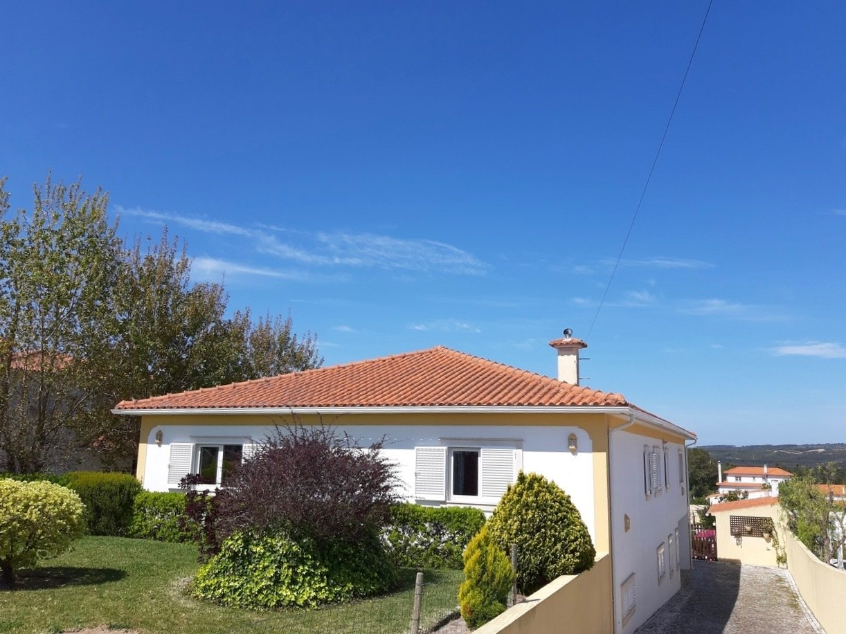 4 Bedroom Villa Caldas da Rainha, Silver Coast Ref: AV2034