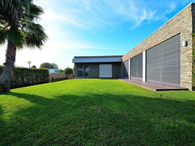 4 Bedroom Villa Vila Nova de Gaia, Porto Ref: AVP64