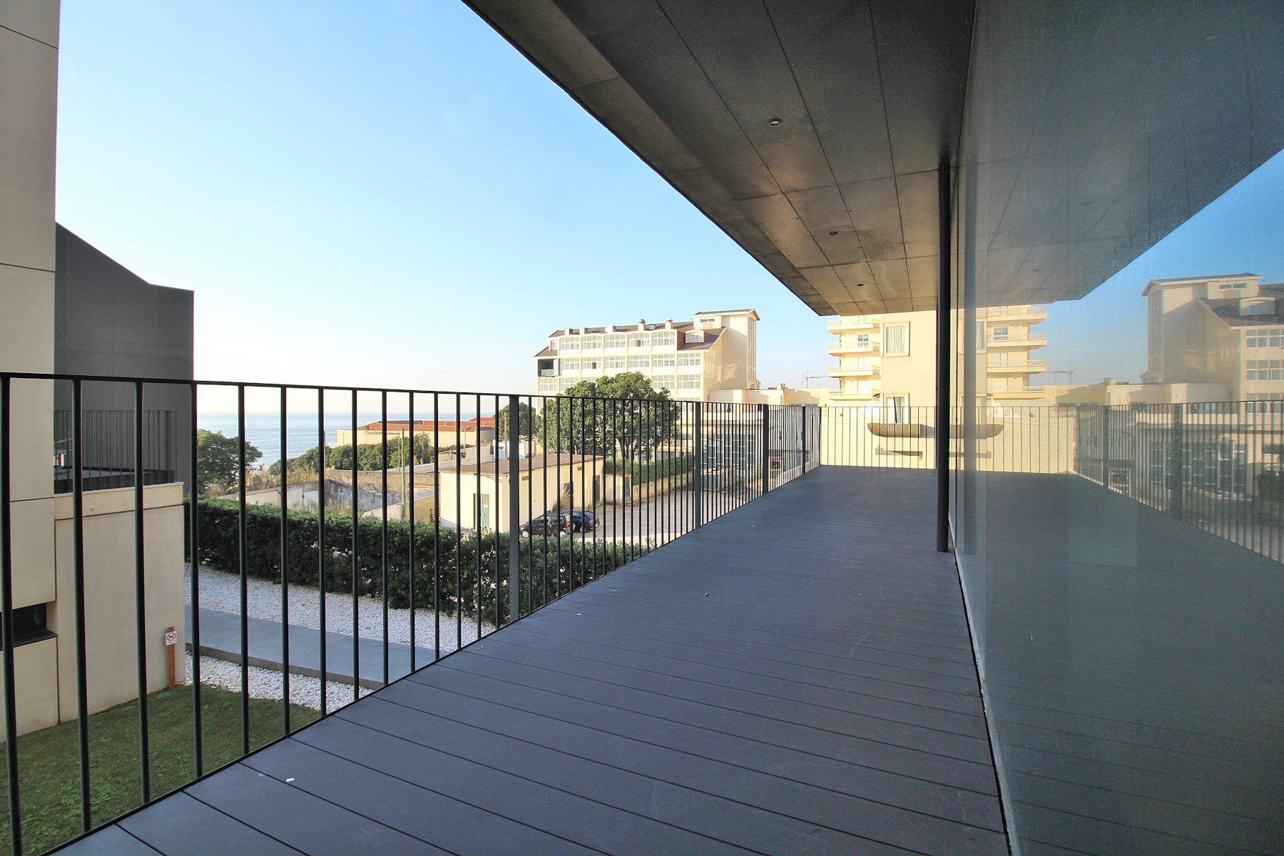 4 Bedroom Apartment Vila Nova de Gaia, Porto Ref: AAP65