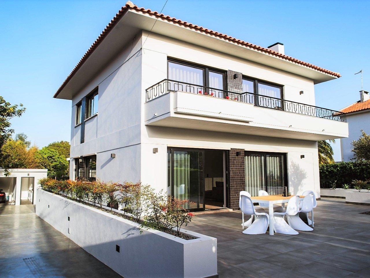 5 Bedroom Villa Cascais, Lisbon Ref: AVM224