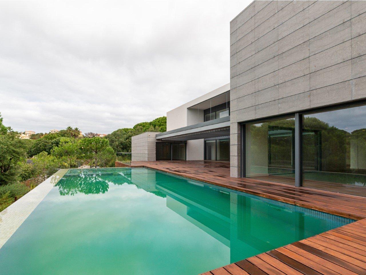 7 Bedroom Villa Cascais, Lisbon Ref: AVM227