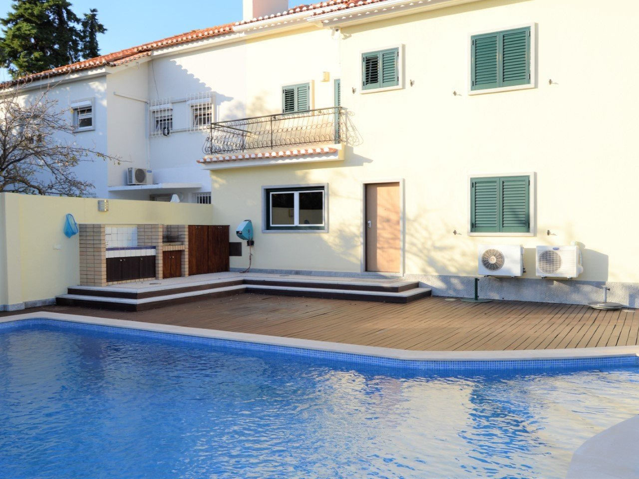 5 Bedroom Villa Lisbon, Lisbon Ref: AVM228
