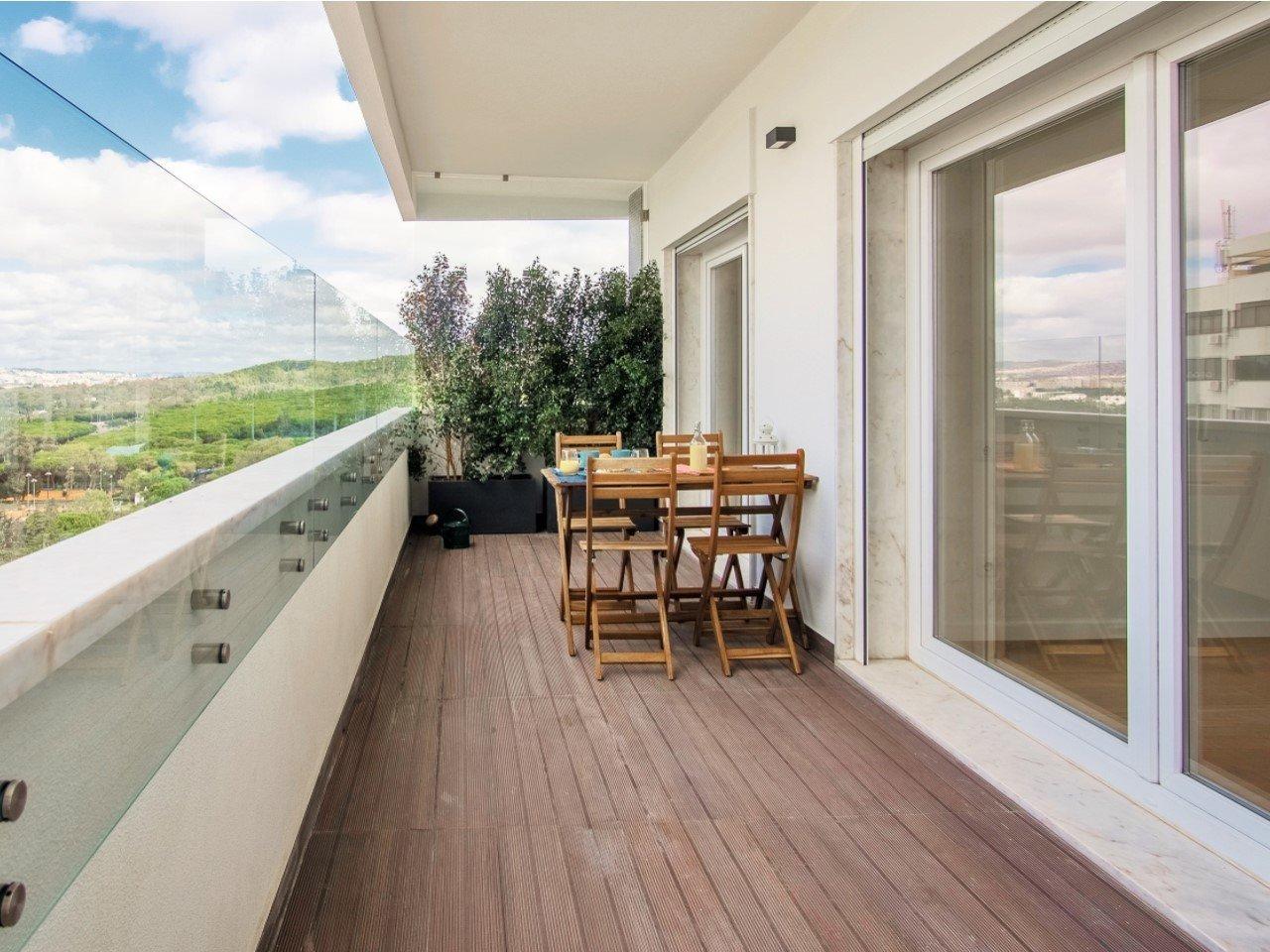 2 Bedroom Apartment Lisbon, Lisbon Ref: AAM229