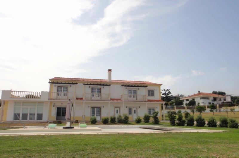 6 Bedroom Villa Serra Do Bouro, Silver Coast Ref: AV1974