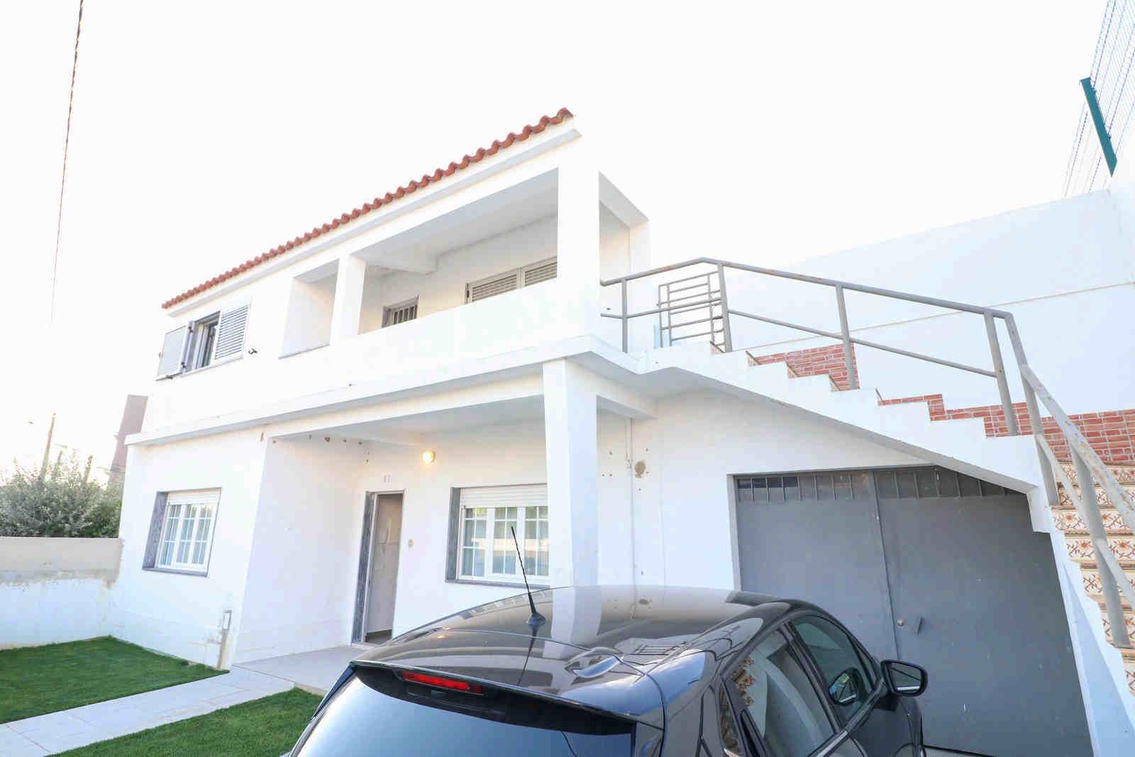 5 Bedroom Villa Loule, Central Algarve Ref: PV3547
