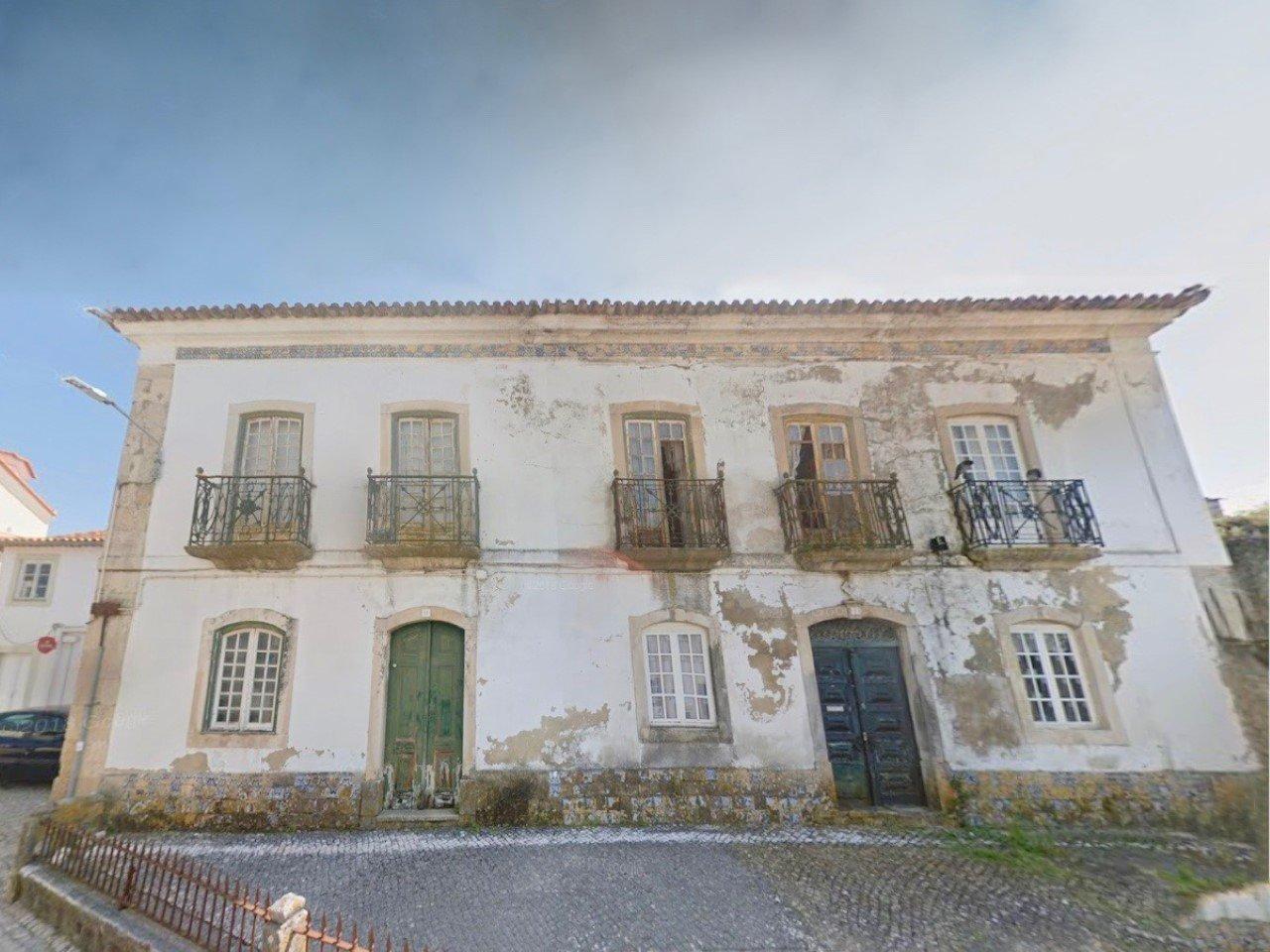 4 Bedroom House Lisbon, Lisbon Ref: AMV13803