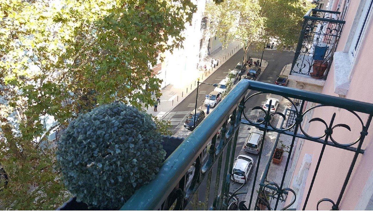 3 Bedroom Apartment Lisbon, Lisbon Ref: AMA11225