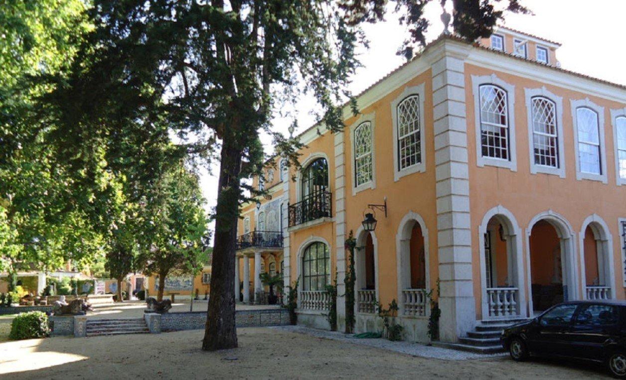 5 Bedroom Villa Lisbon, Lisbon Ref: AMV12912