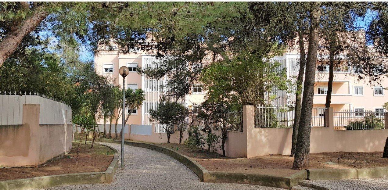 3 Bedroom Apartment Cascais, Lisbon Ref: AMA13252