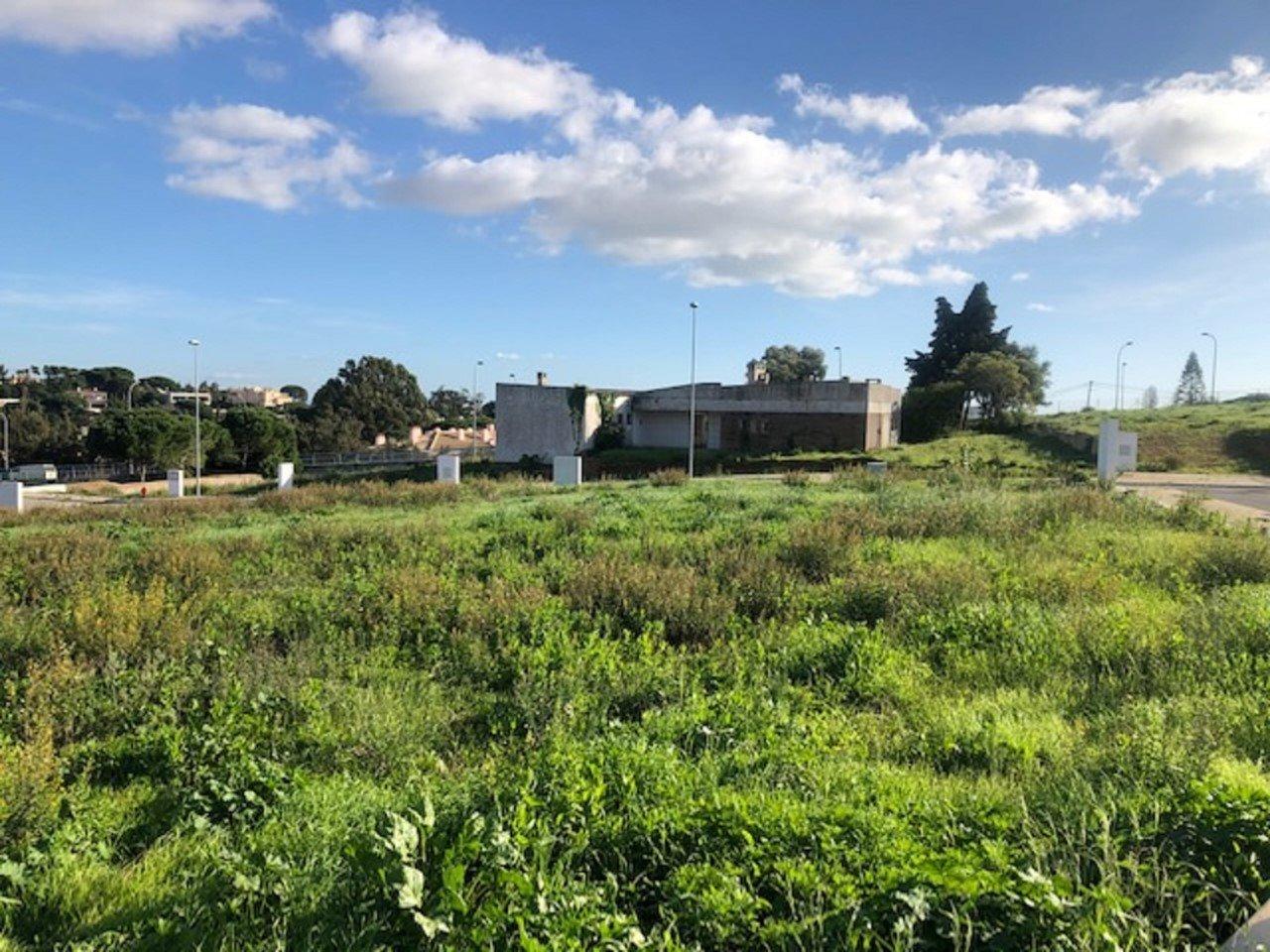 Plot Cascais, Lisbon Ref: AMP13281