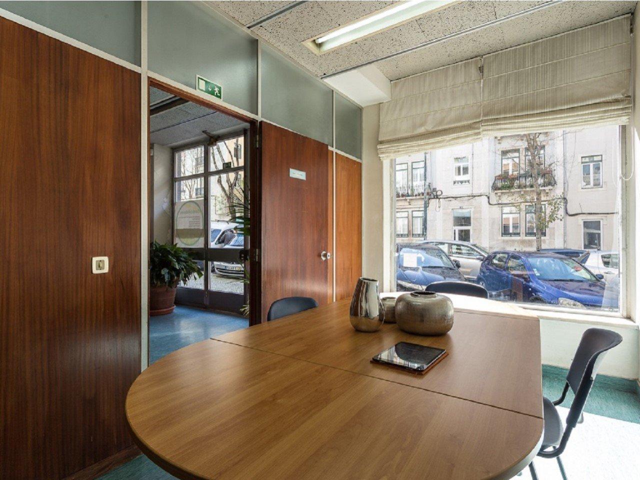 10 Bedroom Apartment Lisbon, Lisbon Ref: AMA13010