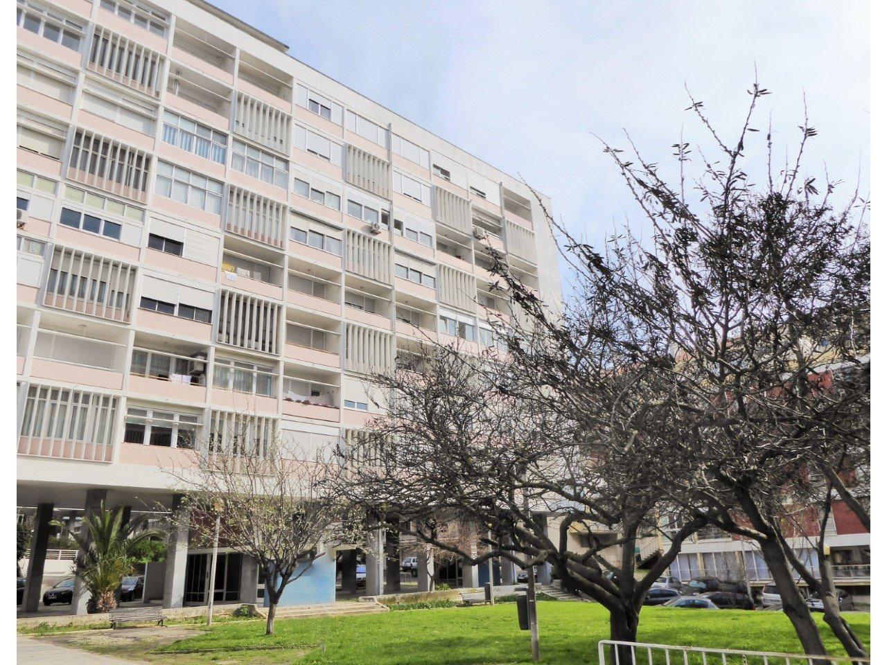 4 Bedroom Apartment Lisbon, Lisbon Ref: AMA13869