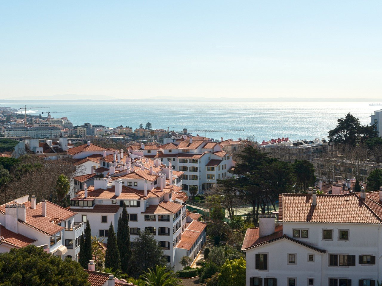 3 Bedroom Apartment Estoril, Lisbon Ref: AMA13887