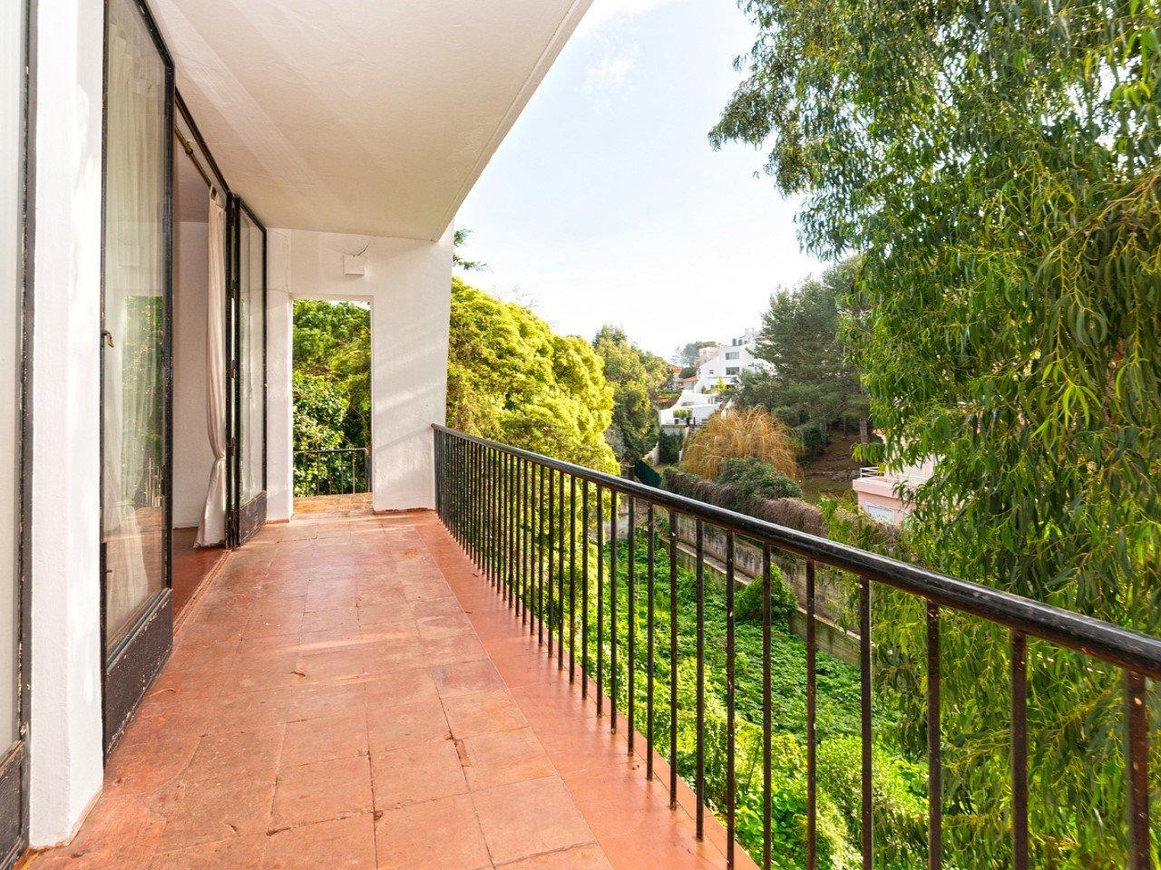 10 Bedroom Villa Cascais, Lisbon Ref: AMV13898