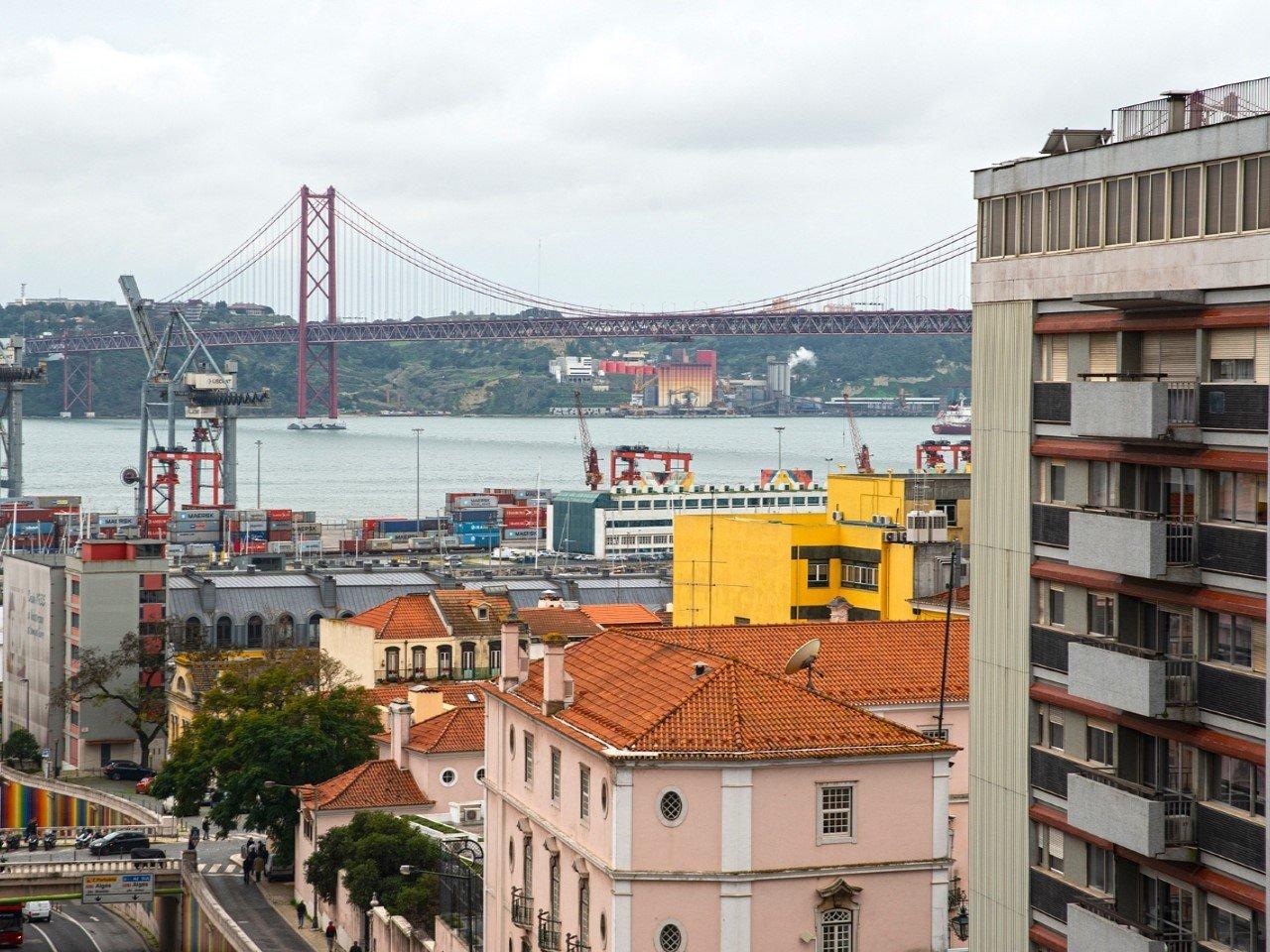 4 Bedroom Apartment Lisbon, Lisbon Ref: AMA14020