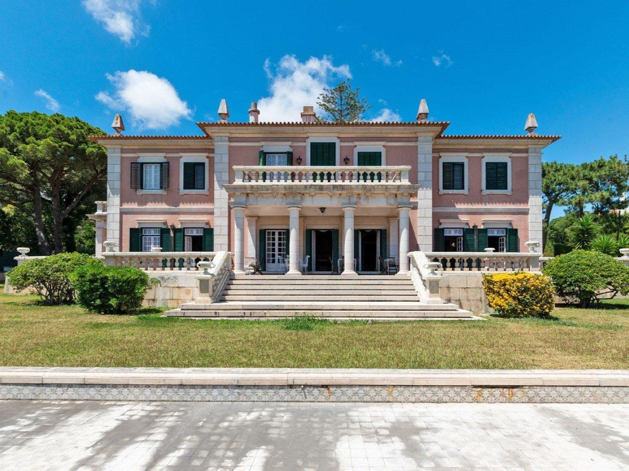 9 Bedroom Villa Cascais, Lisbon Ref: AMV13480