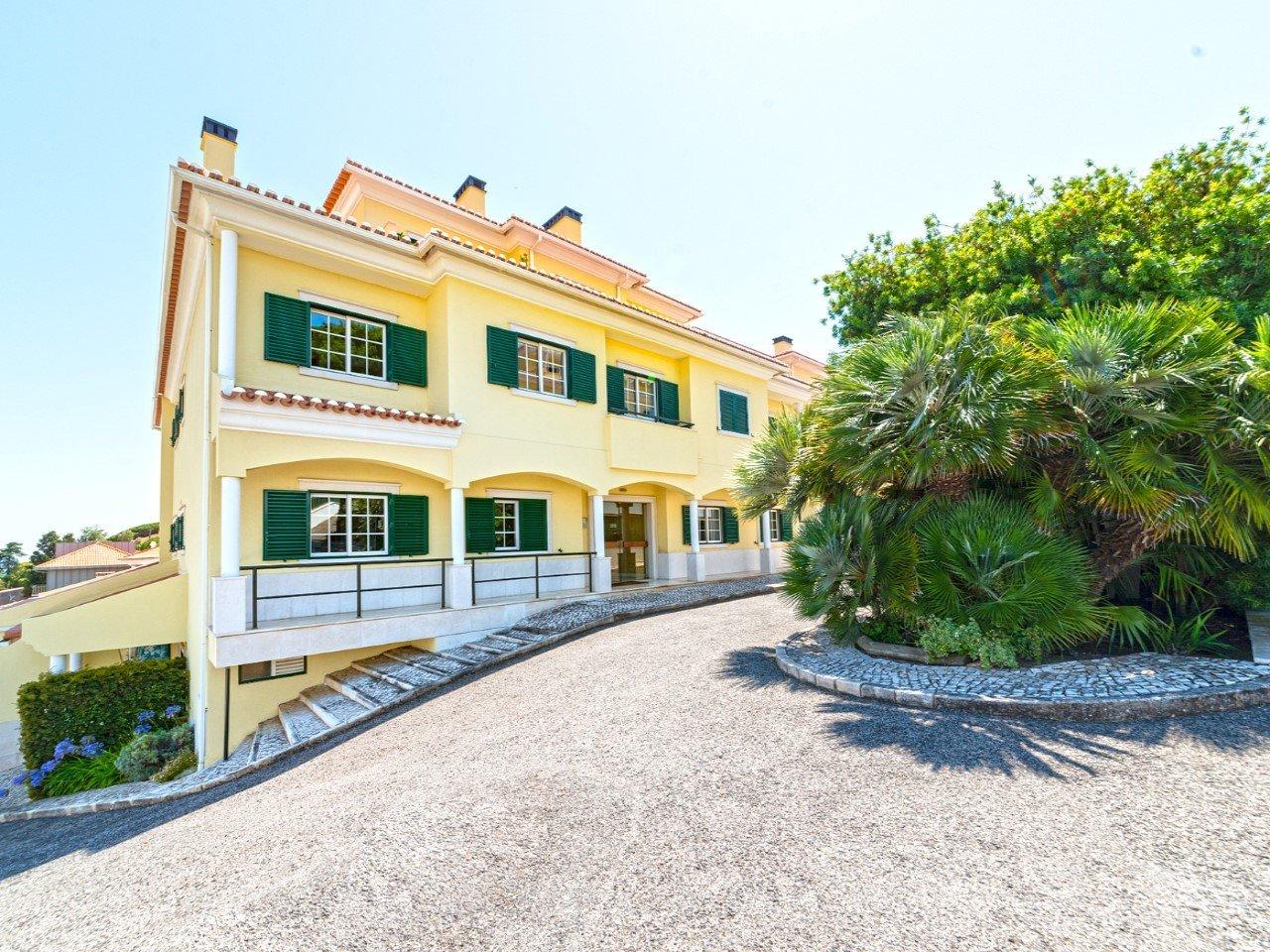 4 Bedroom Apartment Cascais, Lisbon Ref: AMA14147
