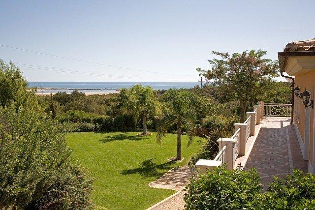 6 Bedroom Villa Lagos, Western Algarve Ref: GV208