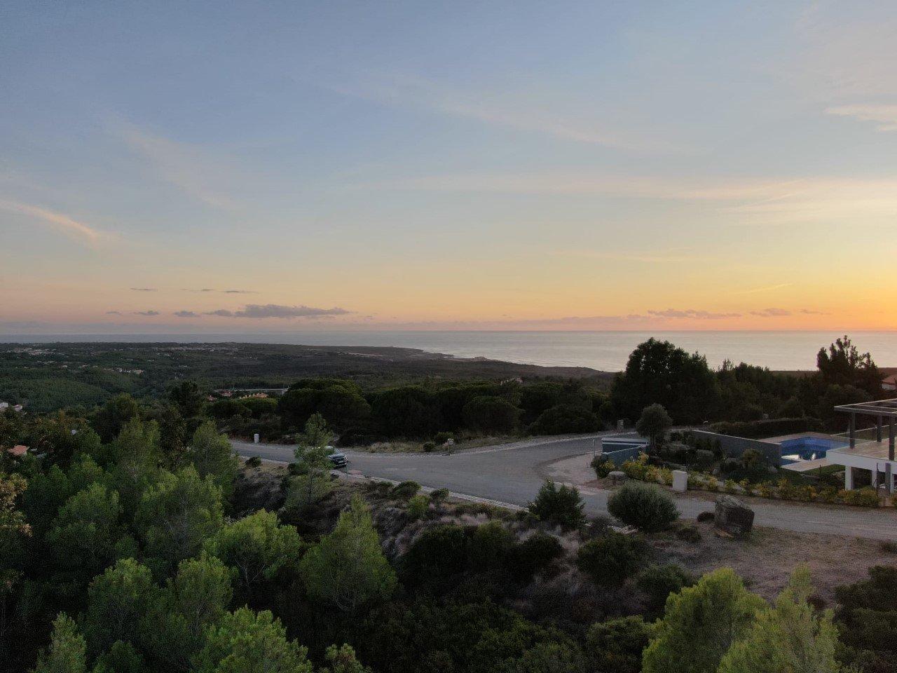 Plot Cascais, Lisbon Ref: AMP14074