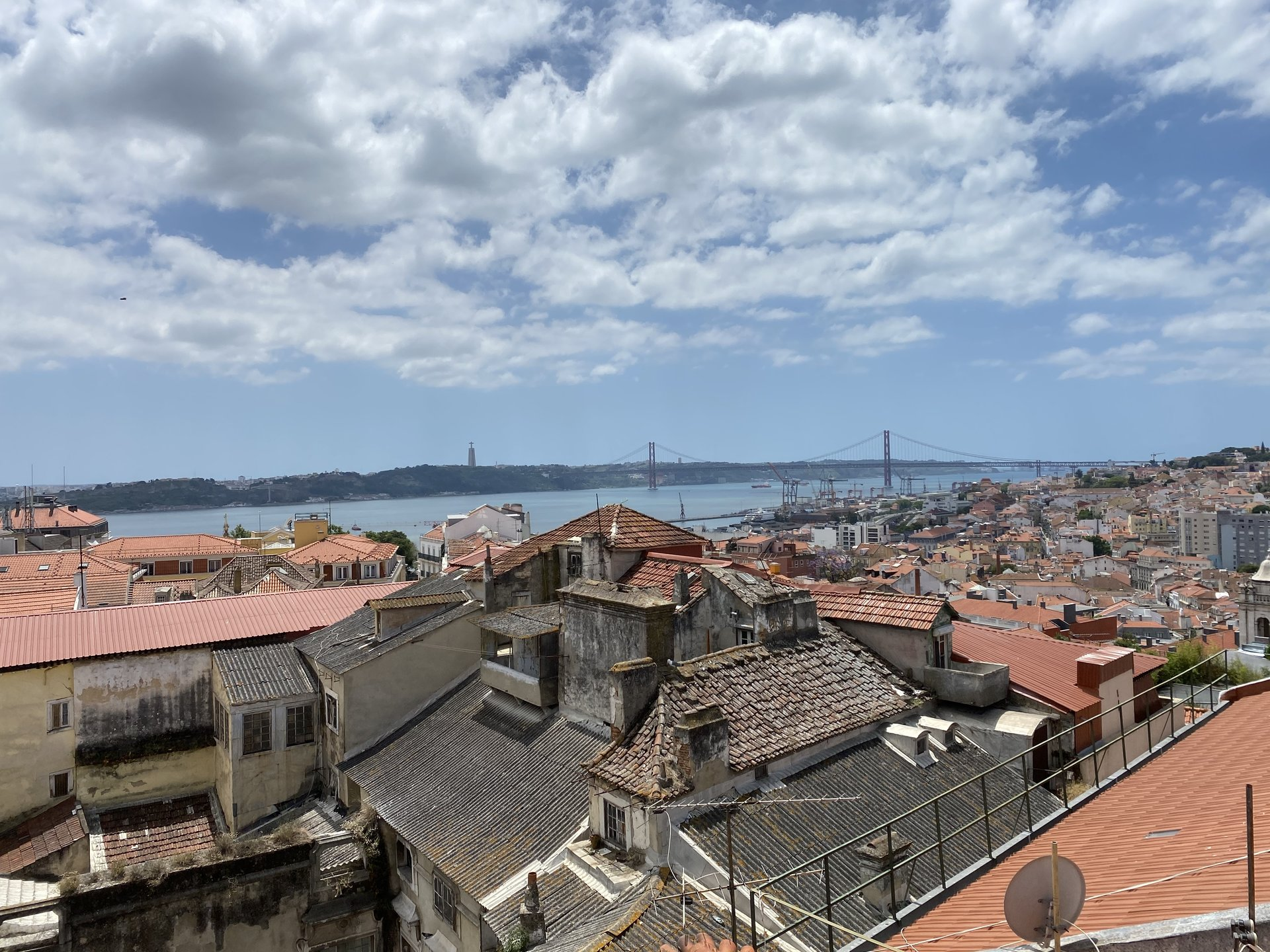 6 Bedroom Apartment Lisbon, Lisbon Ref: AAI352