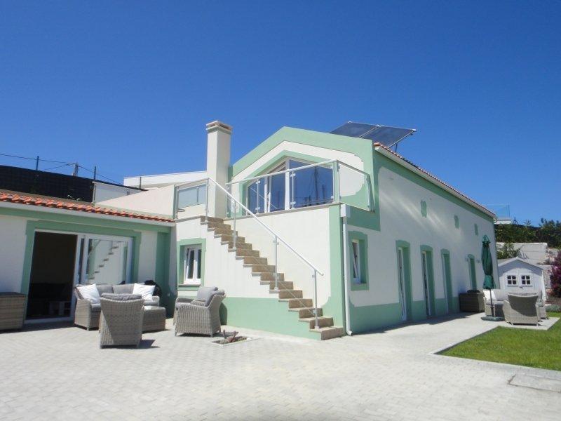 4 Bedroom Villa Foz do Arelho, Silver Coast Ref: AV2071