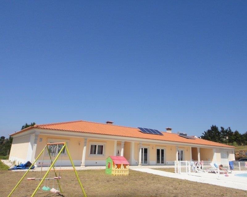 4 Bedroom Villa Caldas da Rainha, Silver Coast Ref: AV2074
