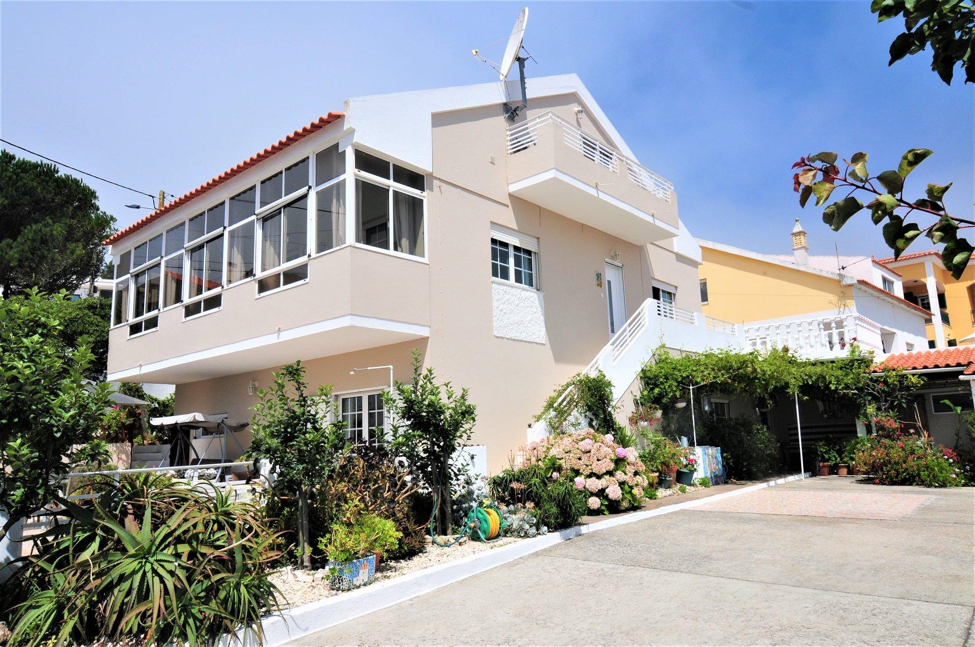 3 Bedroom Villa Sao Martinho do Porto, Silver Coast Ref: AV2075
