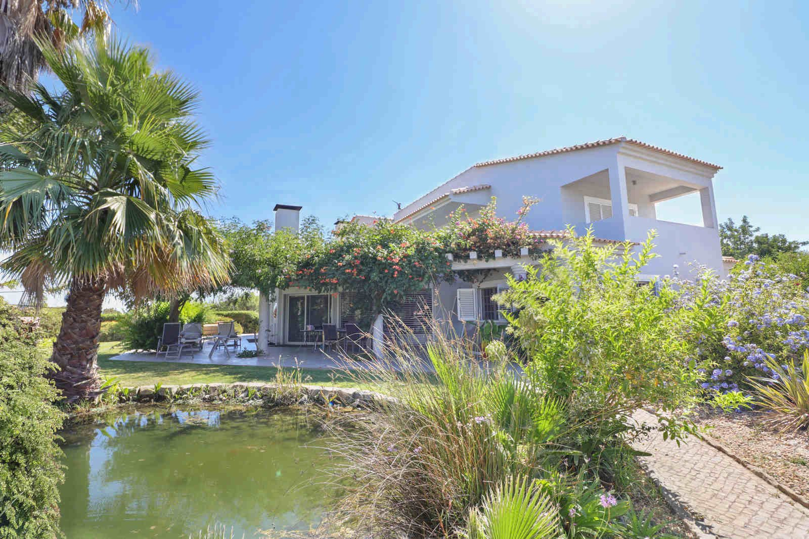 4 Bedroom Villa Almancil, Central Algarve Ref: PV3582