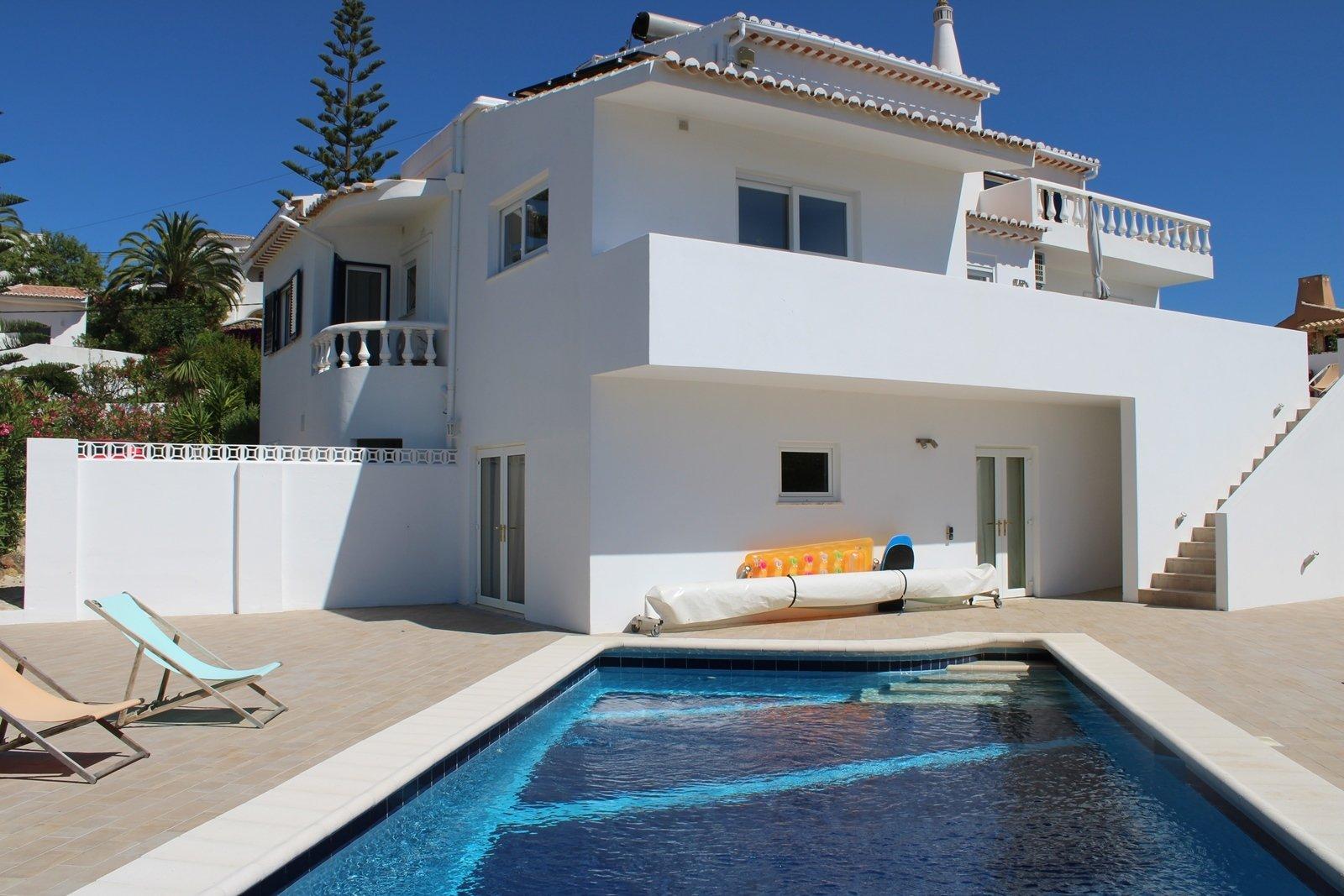 4 Bedroom Villa Praia da Luz, Western Algarve Ref: GV599