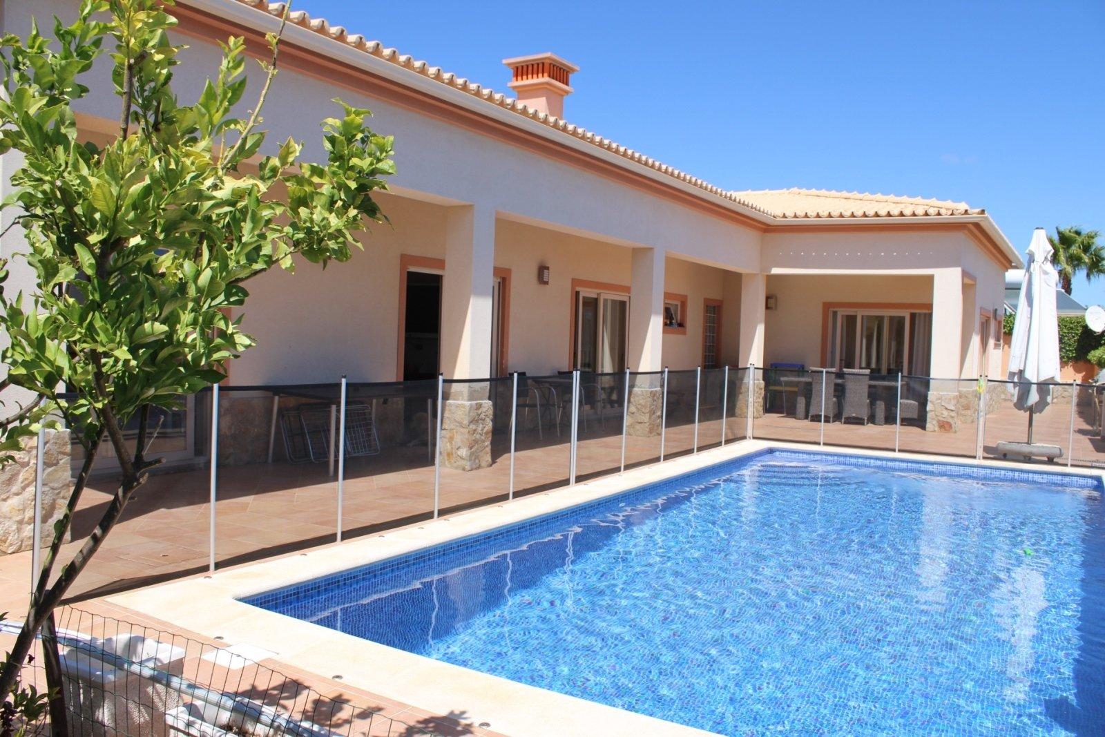 3 Bedroom Villa Praia da Luz, Western Algarve Ref: GV603