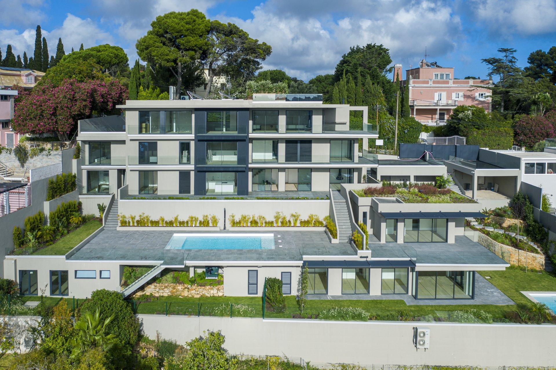 4 Bedroom Villa Cascais, Lisbon Ref: AVI356