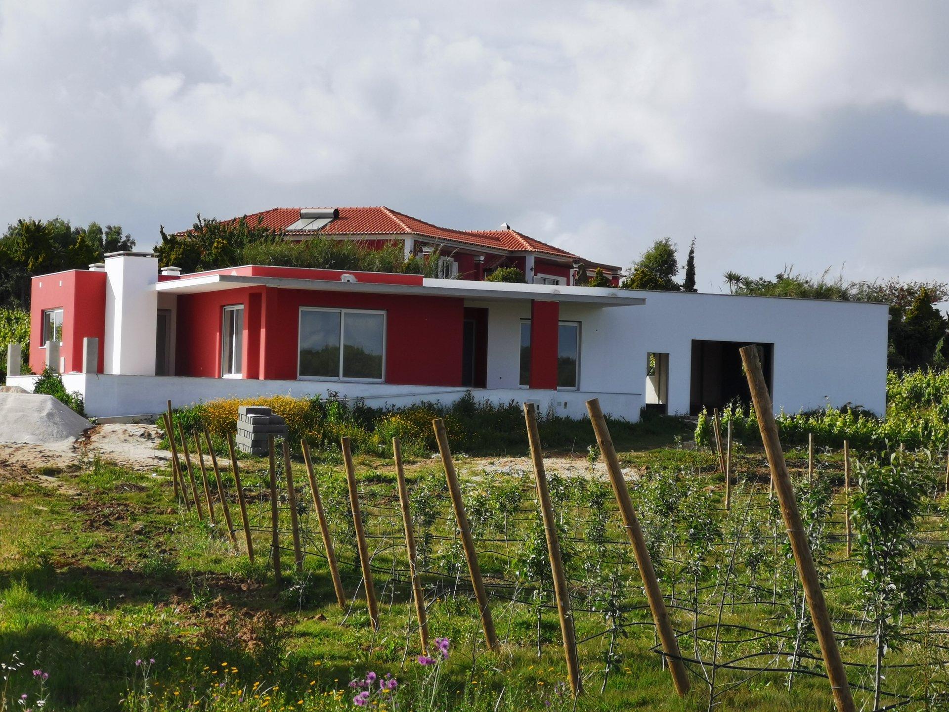 3 Bedroom Villa Bombarral, Silver Coast Ref: AV2091