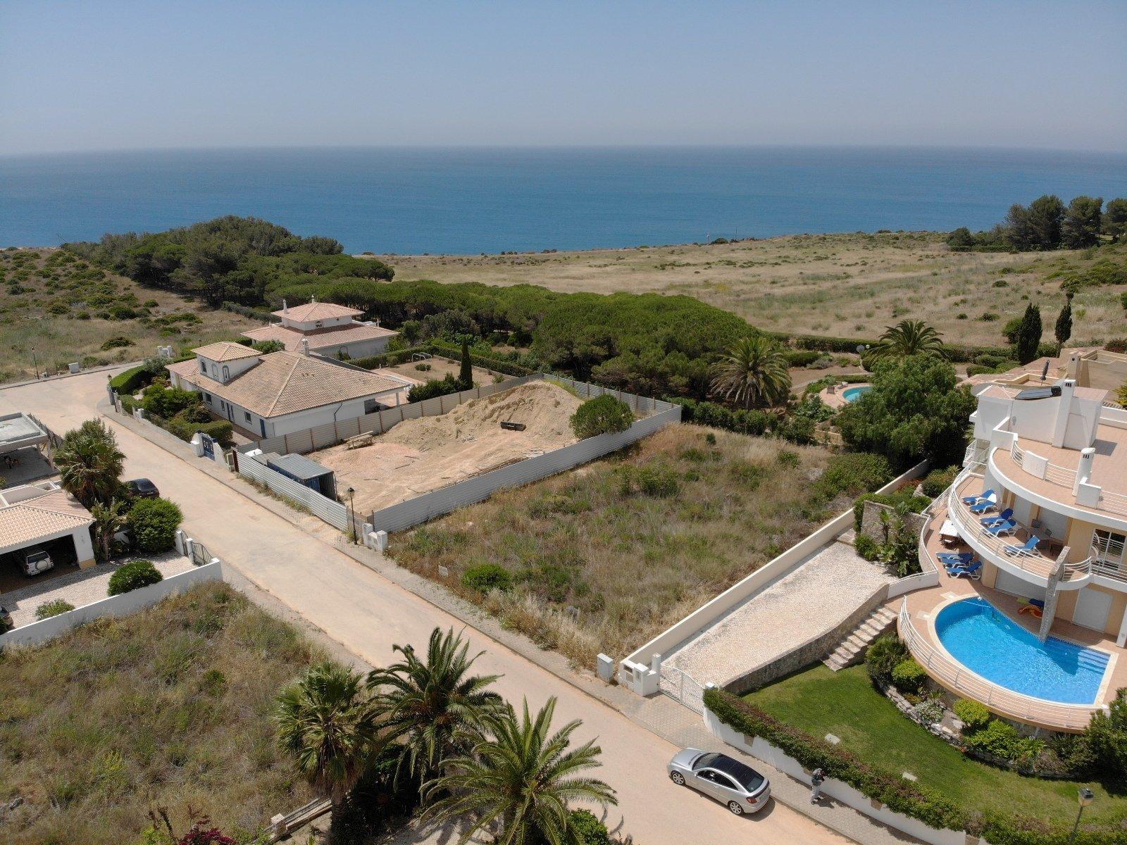 Plot Praia da Luz, Western Algarve Ref: GP062
