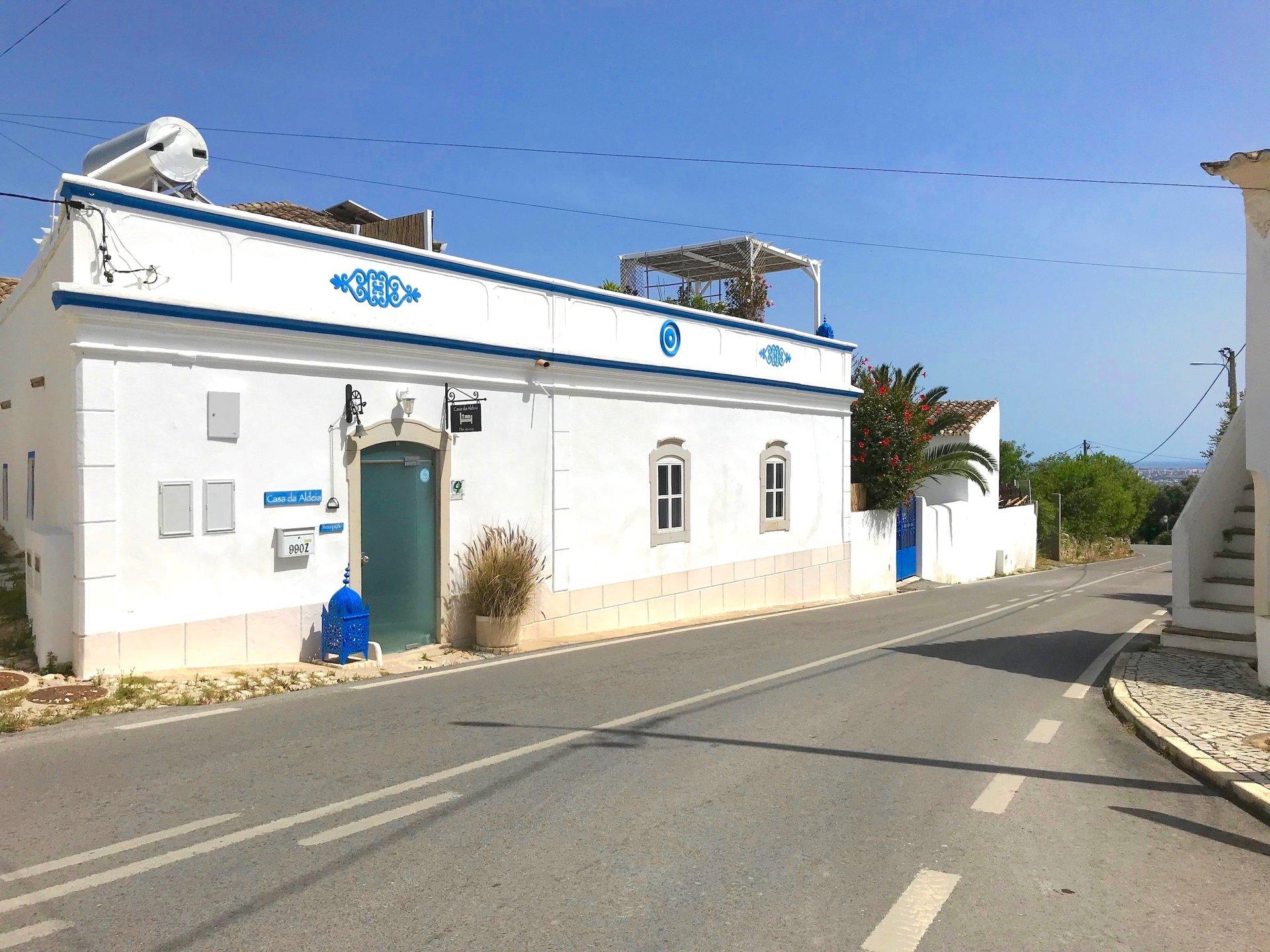 5 Bedroom Villa Santa Barbara de Nexe, Central Algarve Ref: RV5460