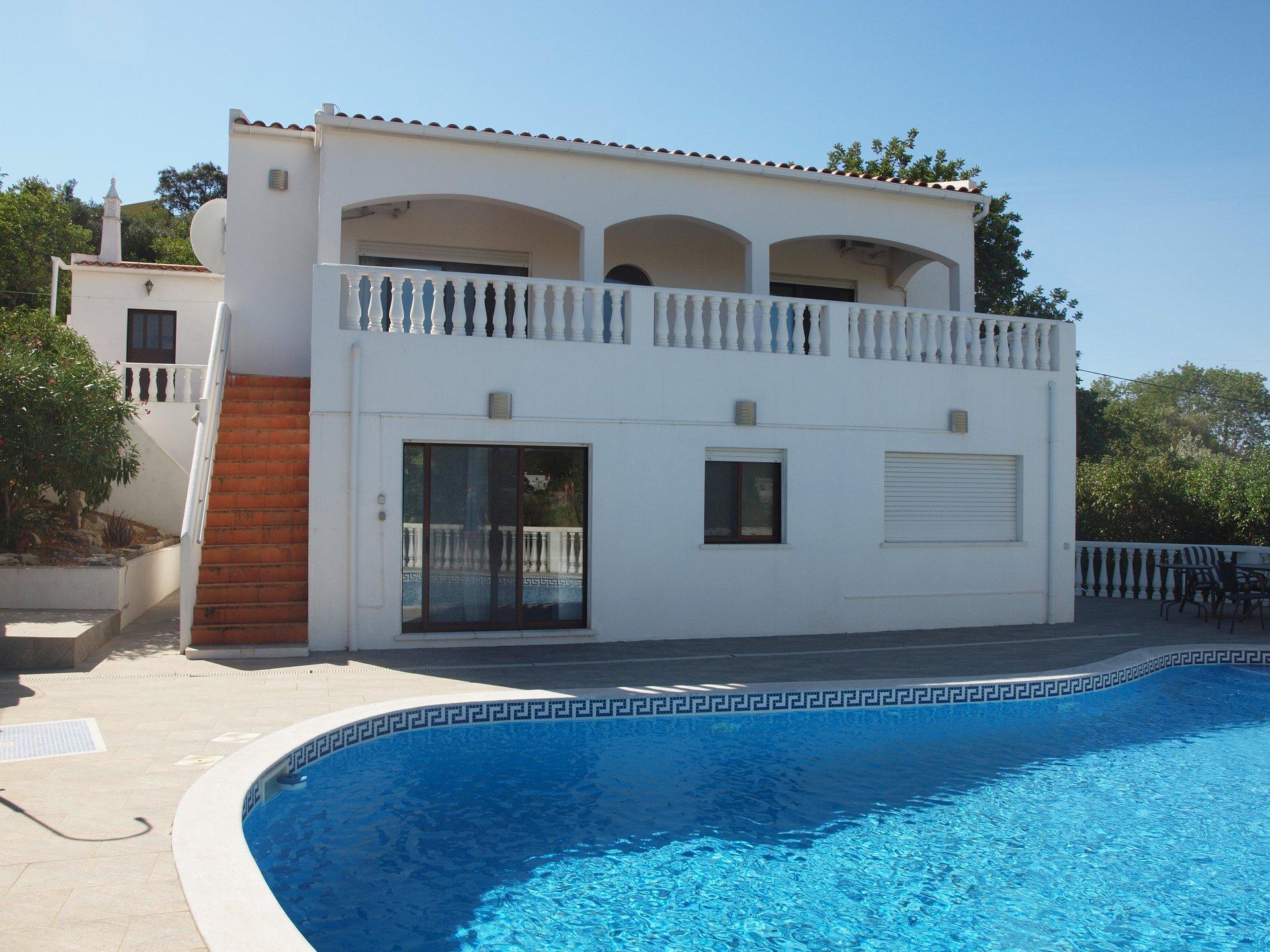 4 Bedroom Villa Sao Bras de Alportel, Central Algarve Ref: RV5458